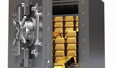 Varför lagrar folk sitt guld utomlands?
