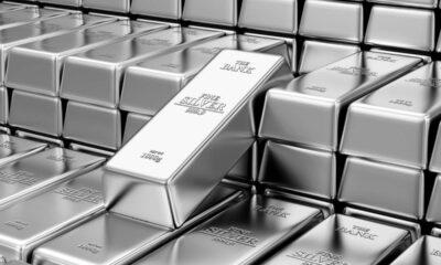 Silverpriset når högsta nivån på åtta år