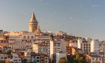 Turkiska aktier stärks när utländska investerare återvänder
