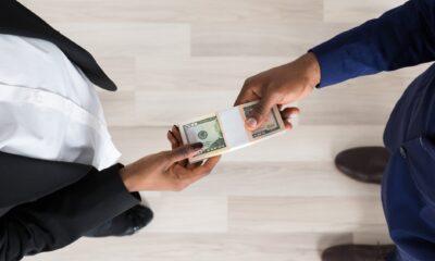 Cambria Emerging Shareholder Yield ETF (CBOE: EYLD ETF) består av aktier med höga kontantfördelningsegenskaper. Det första screeninguniverset för denna ETF