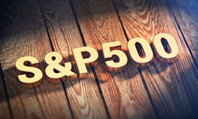 iShares Core S&P 500 UCITS ETF USD (Acc) (SXR8 ETF) är en europeisk version av världens äldsta och största ETF, SPDR 500 Trust (SPY). SXR8 ETF handlas bland annat på