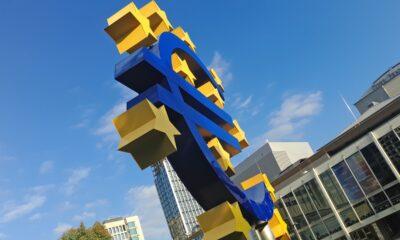 SPDR MSCI Europe UCITS ETF (SPYE ETF) med ISIN kod IE00BKWQ0Q14 skiljer sig från SPDR MSCI EMU UCITS ETF (ZPRE ETF) då ZPRE endast investerar i large och mid cap