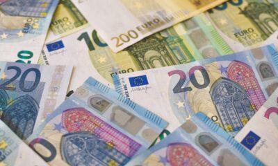 iShares € Corp Bond ESG UCITS ETF (OM3F ETF) är en en europeisk ETF som investerar i euronominerade företagsobligationer. Denna börshandlade fond handlas även under kortnamnet SUOE ETF på vissa börser.
