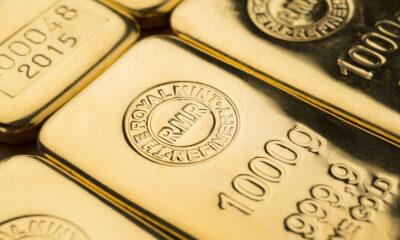Aberdeen Standard Gold ETF Trust (NYSEArca: SGOL ETF) strävar efter att spåra spotpriset för guld, med mindre kostnader för förvaltningskostnader genom att äga fysiska guldtackor.