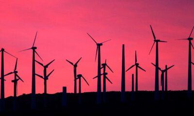 INRG ETF, iShares Global Clean Energy UCITS ETF (INRG ETF) är en europeisk version av den börshandlade fond som handlas under kortnamnet ICLN. IShares Global Clean Energy UCITS ETF investerar i aktier med fokus på ren energi med ett globalt ESG-fokus
