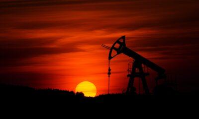 Invesco European Oil & Gas Sector UCITS ETF (SC0V ETF) med ISIN IE00B5MTWH09, är en europeisk börshandlad fond som satsar på olja och gas i Europa. Detta gör den genom att köpa aktier i denna typ av företag. Utdelningarna i fonden återinvesteras.