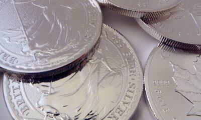 Invesco Physical Silver ETC (SSLV ETC) med ISIN nummer IE00B43VDT70 erbjuder exponering mot silverpriset genom att investera i fysiskt silver som förvaras hos i J.P.Morgan Chase Banks Londonsvalv.