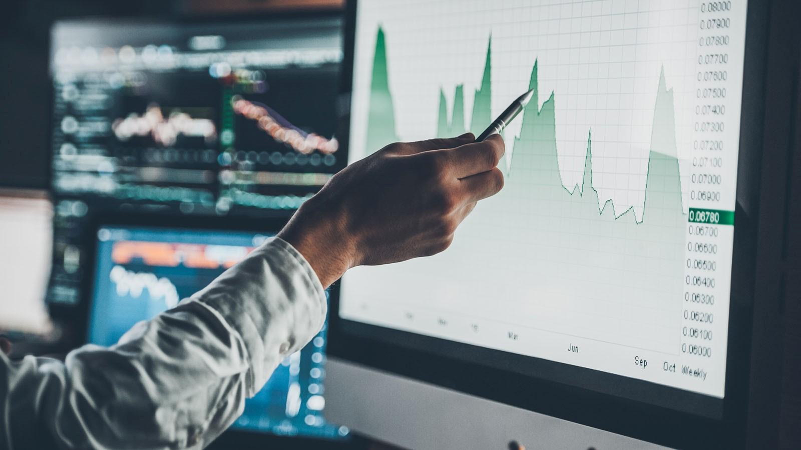 SPDR MSCI Europe Value UCITS ETF (ZPRW ETF) är en europeisk ETF som satsar på europeiska värdeaktier. Fondens investeringsmål är att spåra utvecklingen för europeiska aktier med en högre viktning mot aktier som har låga värderingsegenskaper.
