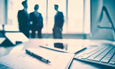 Bruce Bond och John Southard återvänder till ETF-industrin med fokus på definierade utfallsstrategier. PowerShares grundare lanserar en ETF med skyddsnät. Vissa säger att det