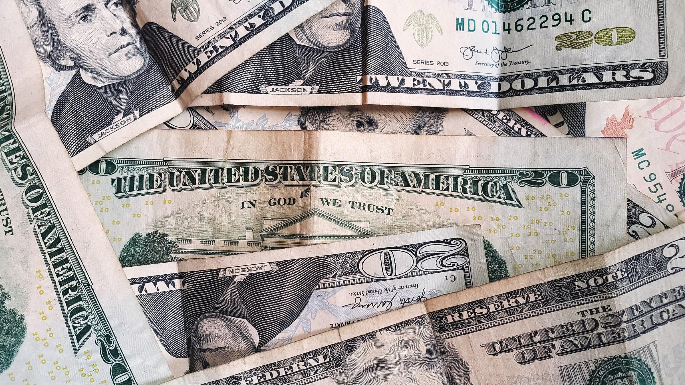 Invesco US Treasury Bond 0-1 Year UCITS ETF Acc (TRIA ETF) investerar i amerikanska statsskuldväxlar med fokus på USA. Obligationens löptid är mellan 0-1 år. De underliggande obligationerna har AAA-betyg
