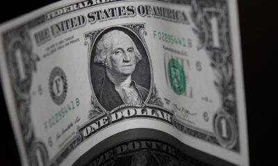 SPDR Bloomberg Barclays 1-3 Month T-Bill UCITS ETF (ZPR1 ETF) investerar i amerikanska statsskuldväxlar. Statsskuldväxlarnas löptid är mellan 0-3 månader. De underliggande statsskuldväxlarna har kreditbetyg.