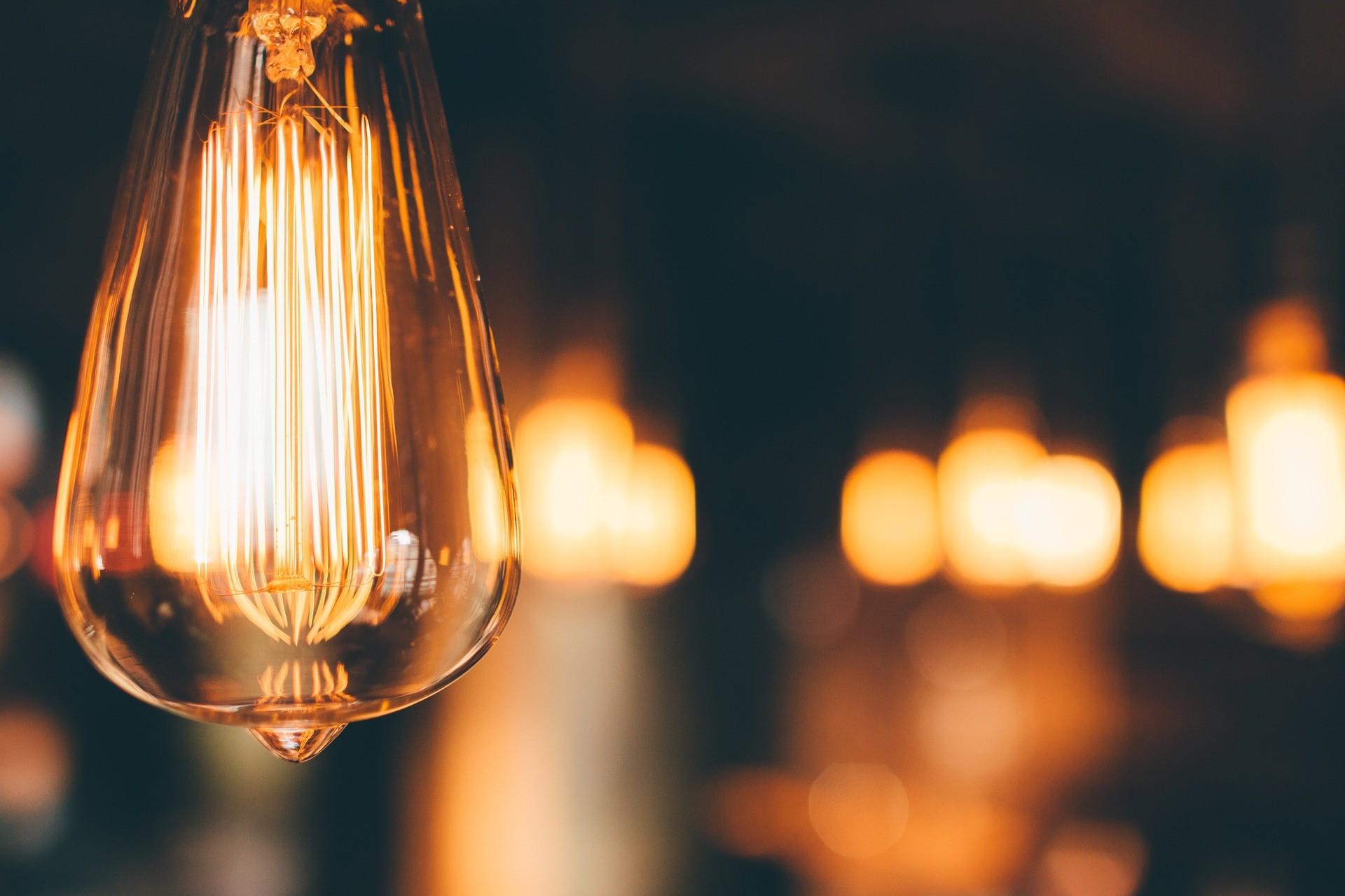 Trots covid-19-pandemin utökas förnybar kapacitet 2020 med 260 GW, en ökning med mer än 45% från 2019. Höjande tidsfrister för exponering mot ren energi kommer sannolikt att driva denna tillväxt ytterligare. Investerarens motivation att gå med i trenden för tematiska investeringsstrategier är fortfarande hög.