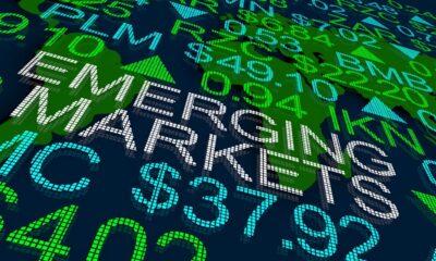 WisdomTree Emerging Markets Local Debt Fund (ELD ETF) förvaltas aktivt och investerar i både stats- och företagsobligationer av investerings- och icke-investeringsklass från tillväxtländer i lokala valutor. WisdomTree Emerging Markets Local Debt Fund (ELD ETF), som handlas på NYSEArca, är en utdelande ETF. Denna börshandlade fond kommer med en årlig förvaltningskostnad på 0,55 procent.