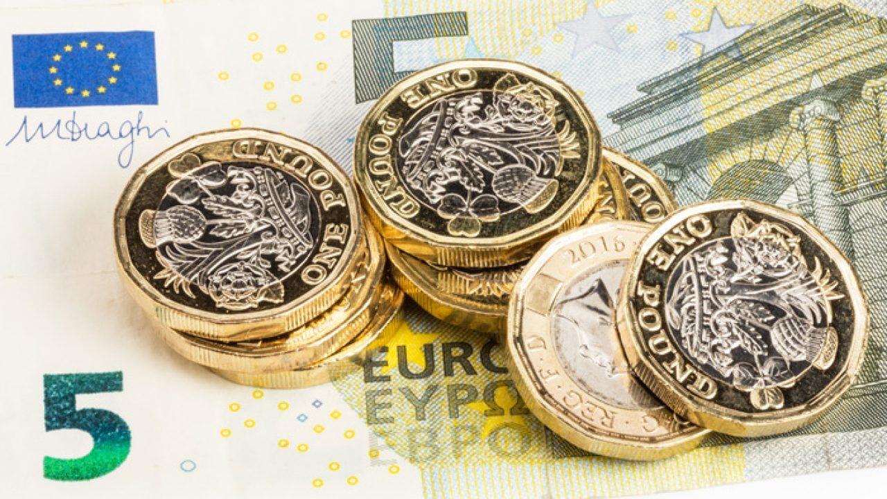 """WisdomTree Short GBP Long EUR 5x Daily (GBE5 ETC) är utformat för att ge investerare en """"skuldsatt kort"""" exponering mot pund (""""GBP"""") i förhållande till euro (""""EUR"""") genom att spåra MSFX 5x Short British Pound/Euro Index (TR) (""""indexet""""), som syftar till att återspegla fem gånger prestationen för en position i terminskontrakt som rullas dagligen."""