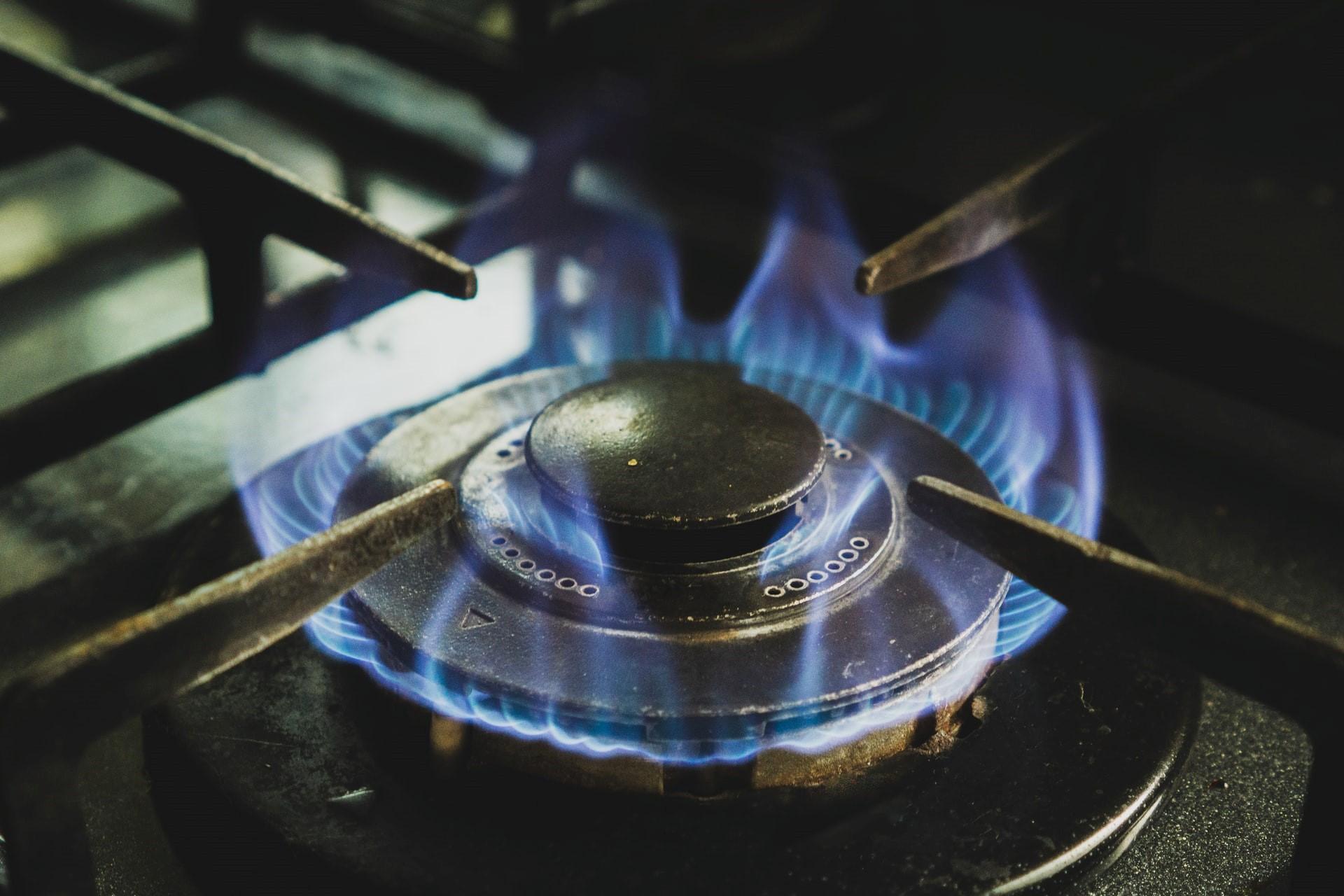 WisdomTree Natural Gas 3x Daily Leveraged (NGXL ETC) är en helt säkerställd börshandlad råvara (ETC) som är utformad för att ge investerare en hävstångsexponering mot naturgas. ETC ger en total avkastning som består av 3 gånger den dagliga prestandan för Solactive Natural Gas Commodity Futures SL -index (SOLWSNG2), plus ränteintäkterna justerade för att återspegla avgifter och kostnader för produkten.