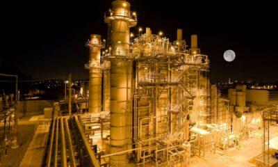 Priset på naturgas varierar från ögonblick till ögonblick, eftersom det handlas på en börs. Daytrada naturgas Detta pris bestäms av globalt utbud Priset på naturgas varierar från ögonblick till ögonblick, eftersom det handlas på en börs. Detta pris bestäms av globalt utbud och efterfrågan på den fysiska varan, liksom förväntningar och utbud och efterfrågan från handlare